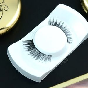 MAC rossy de palma synthetic lashes